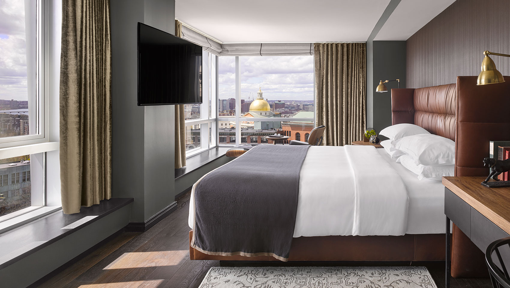 king guestroom with skyline view